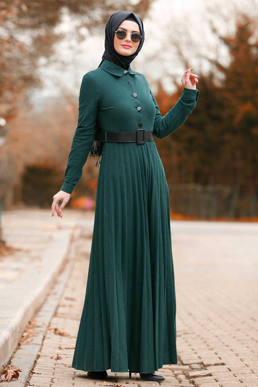 Düğmeli Kemerli Yeşil Tesettür Elbise 8396Y